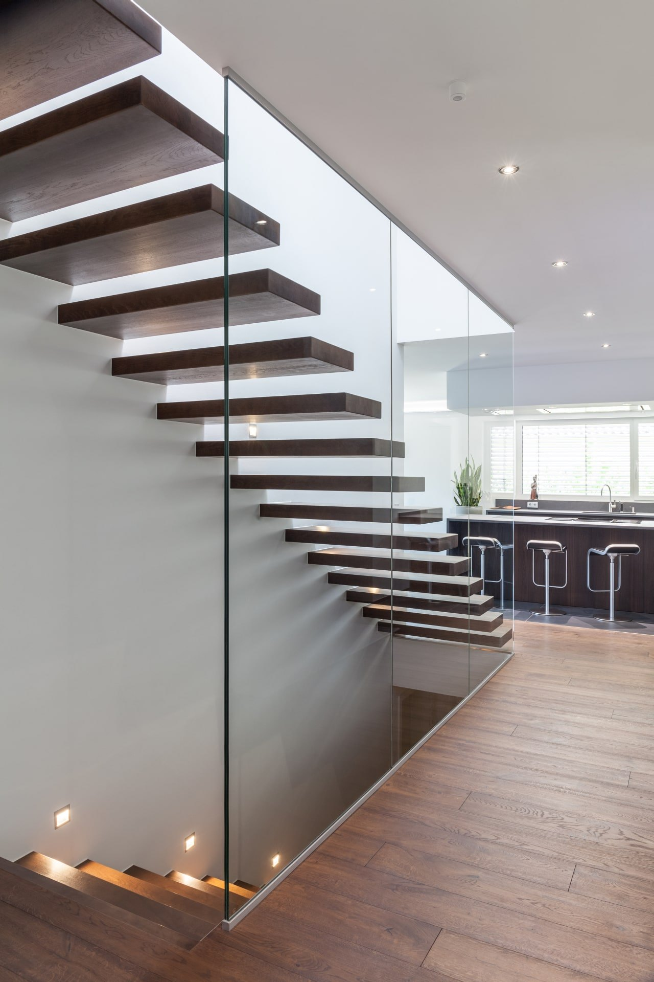 High-quality stairs made to measure - Cantilver staircases - OST